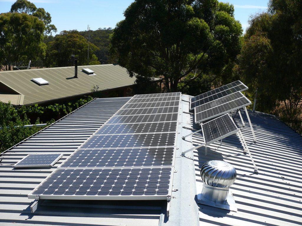 dach z solarami