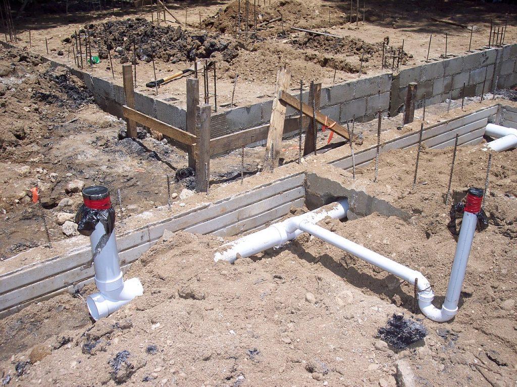 rozkład kanalizacji na budowie