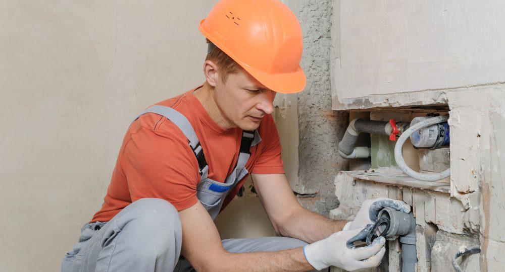 zakładanie kanalizacji na budowie