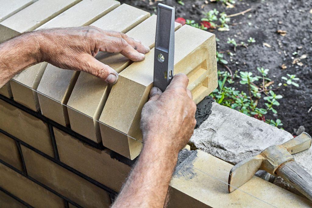 budowa ogrodzenia