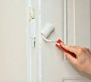 renowacja starych drzwi