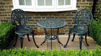 metalowy zestaw mebli ogrodowych