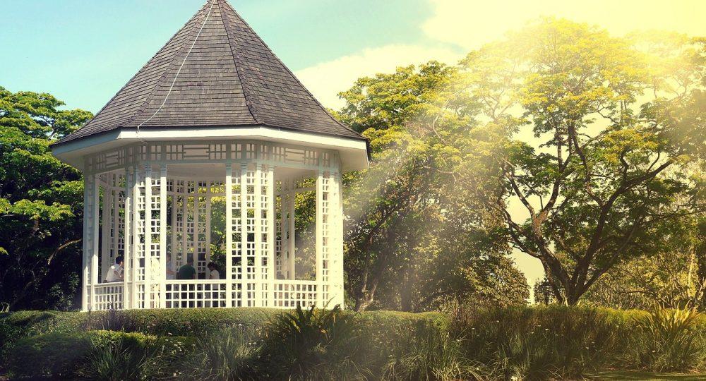 Jak dopasować wymiar altany do ogrodu?