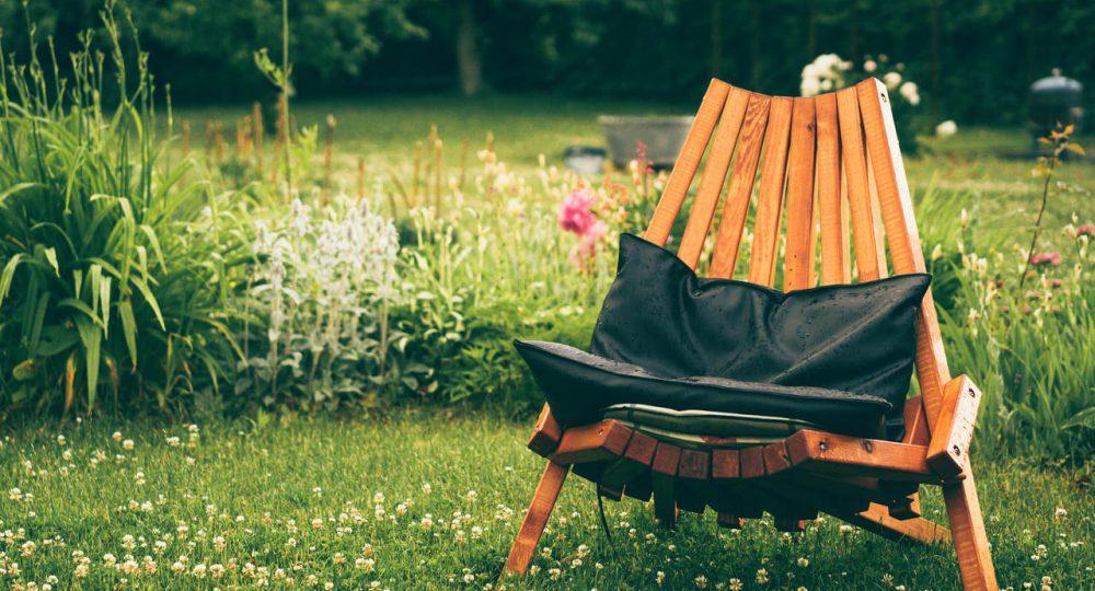 krzesło drewniane ogrodowe